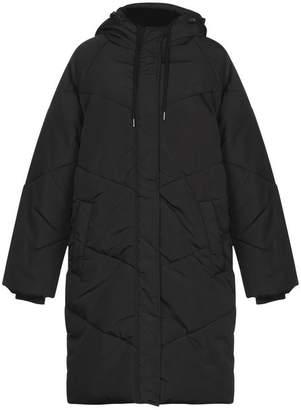 Minimum Synthetic Down Jacket