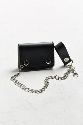 Urban Outfitters UO Chain Wallet $15 thestylecure.com