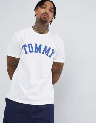 Tommy Jeans Essential logo print t-shirt in white