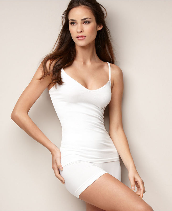 Barely There Light Control Smooth A'Tude Thigh Slimmer 4J87