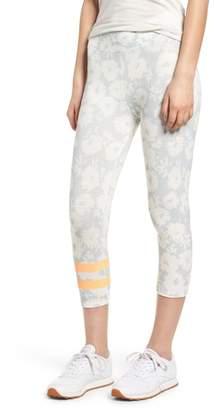 Sundry Stripe Print Capri Yoga Pants