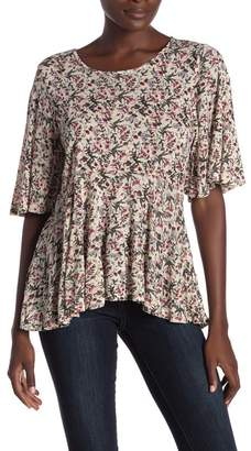 Lucky Brand Patterned Flutter Sleeve Top