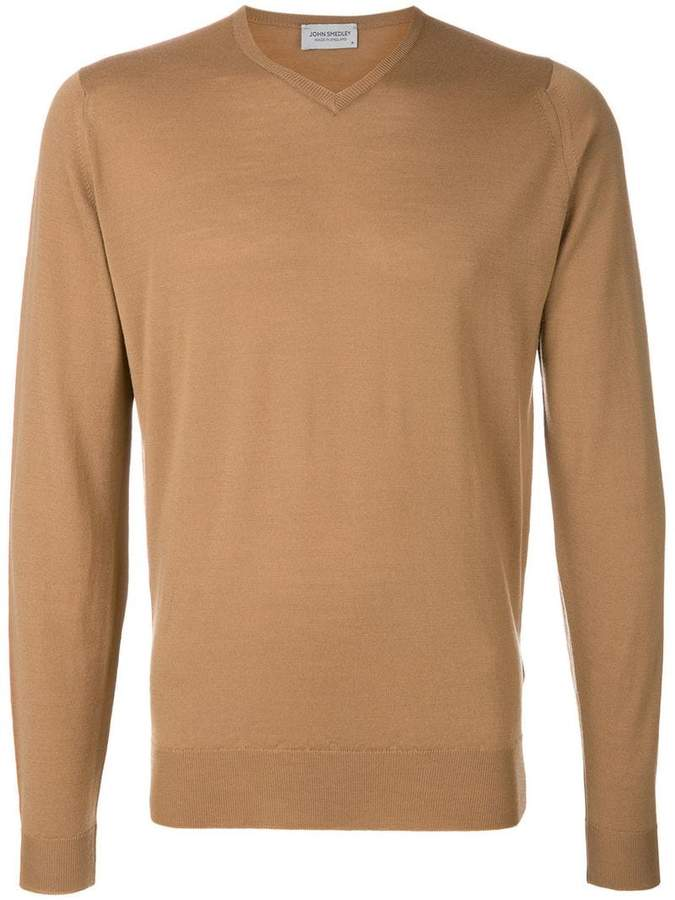 Buy classic long-sleeve sweater!
