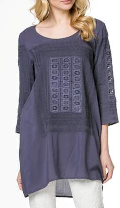 Monoreno Embroidered Tunic Top