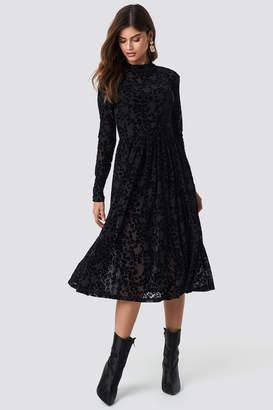 Rut & Circle Rut&Circle Burnout Velvet Dress