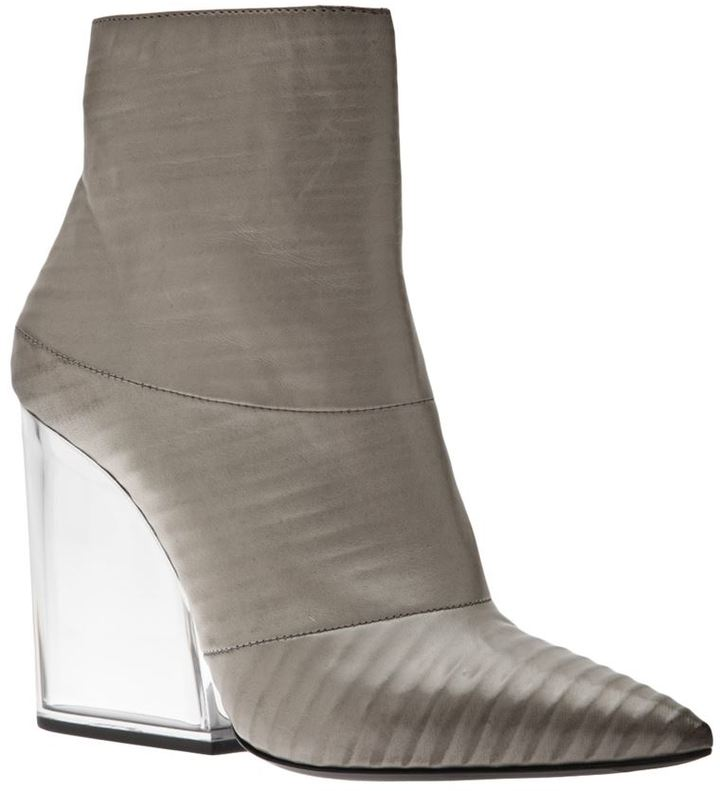 VIC leather bootie