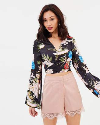 Missguided Lace Hem Tailored Shorts
