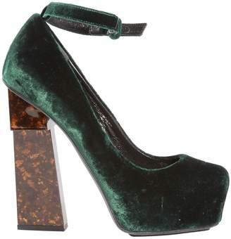 Aperlaï Green Velvet Heels