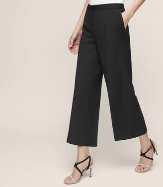 Reiss Huxley Cropped Trouser - Cropped Tailored Trousers in Black