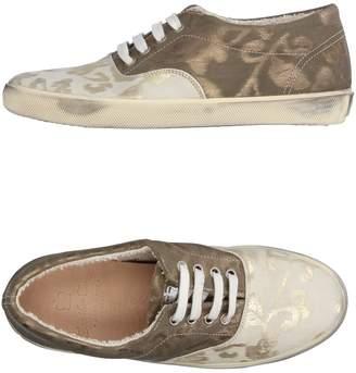 Leather Crown Low-tops & sneakers - Item 11227269AH