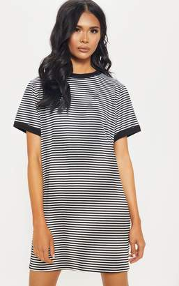 PrettyLittleThing Black Stripe Crew Neck T Shirt Dress