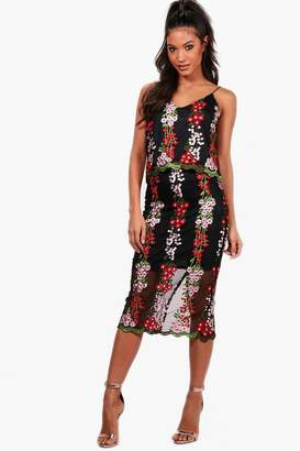boohoo Boutique Embroidery Crop&Skirt Co-ord