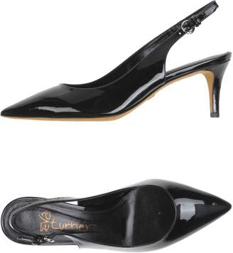 Eva Turner Leather Pumps