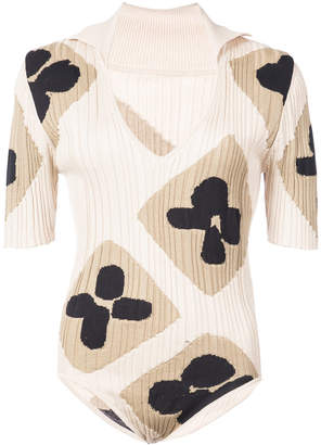 plunge neck printed body