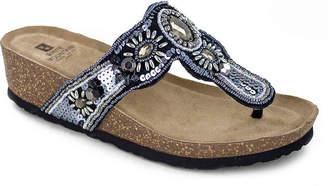 White Mountain Bountiful Wedge Sandal - Women's