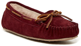Minnetonka Junior Trapper Faux Fur Lined Moccasin Slipper (Women) $39.95 thestylecure.com
