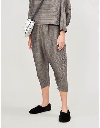 Pleats Please Issey Miyake Warm Bounce barrel-leg cropped pleated trousers