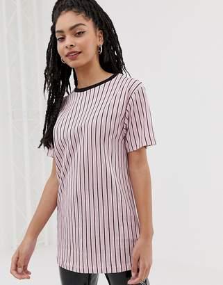 New Look vertical stripe long line tee in pink pattern