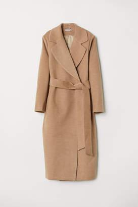 H&M H&M+ Coat with a tie belt