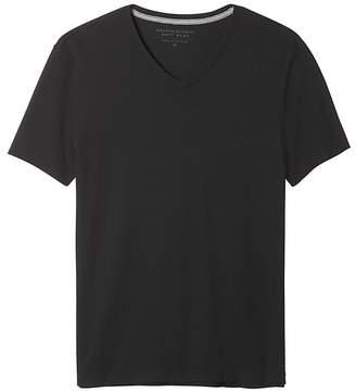 Banana Republic Soft-Wash V-Neck T-Shirt
