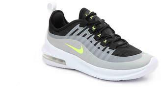 Nike Axis Youth Sneaker - Boy's