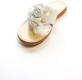 L'amour Flower Thong Sandal