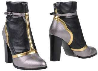Frankie Morello Ankle boots