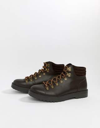 Zign Shoes hiking boots in brown