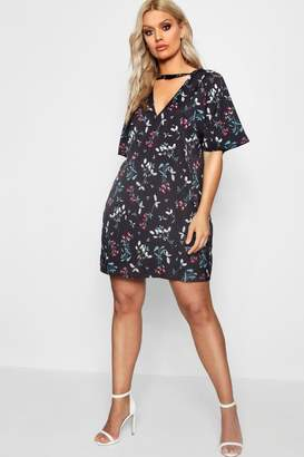 boohoo Plus Printed Choker Detail Shift Dress