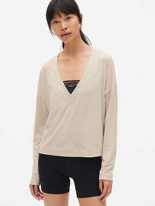 Gap GapFit Breathe Deep V-Neck Pullover Top