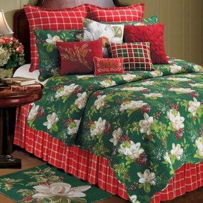 Bella Magnolia Reversible Twin Quilt in Green/Red/White