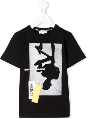DKNY (ディー ケー エヌワイ) - Dkny Kids In The Moment Tシャツ