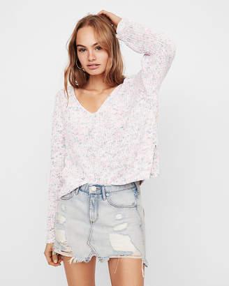 Express Petite V-Neck Shaker Knit Chenille Sweater