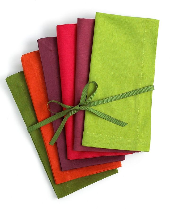 CLOSEOUT! Vera Table Linens, Set of 6 Assorted Holiday Napkins