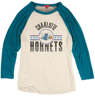 Mitchell & Ness Women Charlotte Hornets Victory Raglan T-Shirt