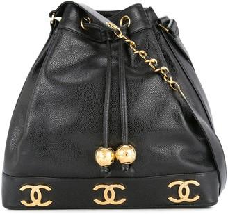 Chanel Pre-Owned logos drawstring shoulder bag
