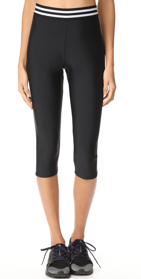 Onzie Elastic Band Capri Leggings