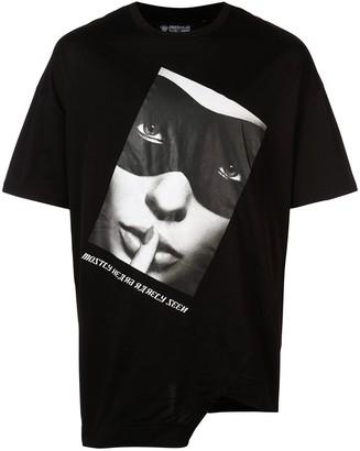 Mostly Heard Rarely Seen Litton split hem T-shirt