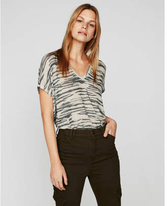 Express one eleven zebra soft knit london tee