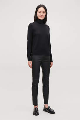 Cos SLIM-FIT LEATHER TROUSERS