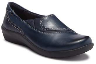 Earth Leona Leather Flat - Wide Width Available