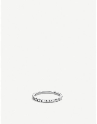 De Beers Classic platinum and pavé diamond wedding band