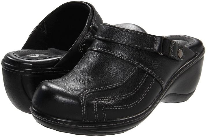 SoftWalk Macy (Black) - Footwear