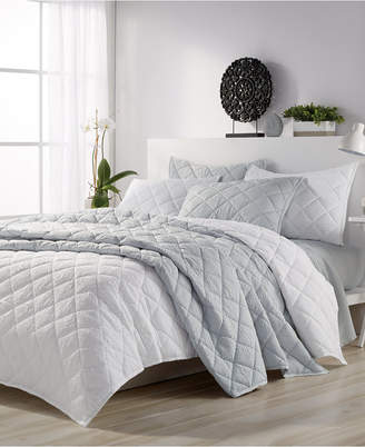 CHF Microsculpt Solid Mosaic King Quilt Set white