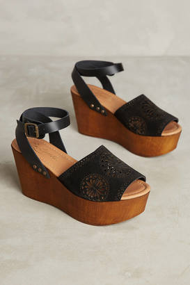 Liendo by Seychelles Liendo By Seychelles Granada Wedges $108 thestylecure.com