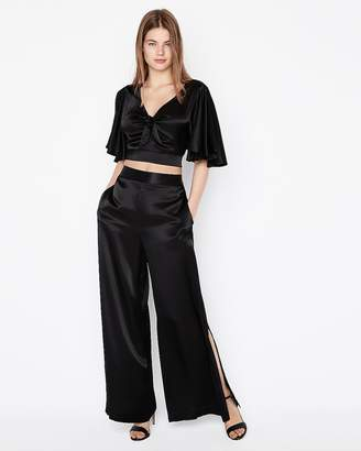 Express Petite Solid Tie Front Cropped Top