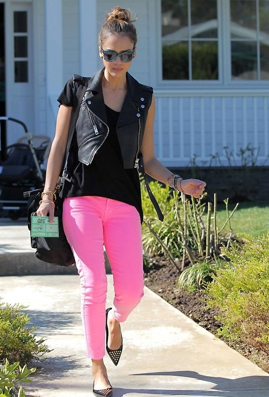 7 For All Mankind The Cropped Skinny in Hot Neon Pink