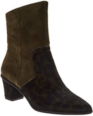 Logo By Lori Goldstein Lori Goldstein Collection Side Zip Pointed Toe Booties