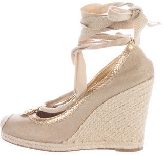 Tory Burch Tory Burch Metallic-Trimmed Canvas Wedges
