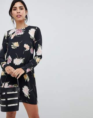 Oh My Love Floral Long Sleeve Dress